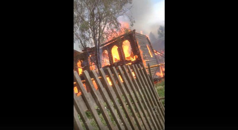 В Пошехонье полностью выгорел дом-памятник