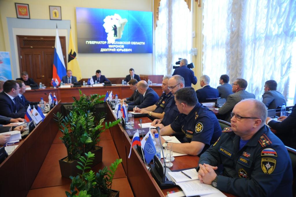 Дмитрий Миронов: «Необходимо реализовать весь комплекс мер безопасности в преддверии Дня России»
