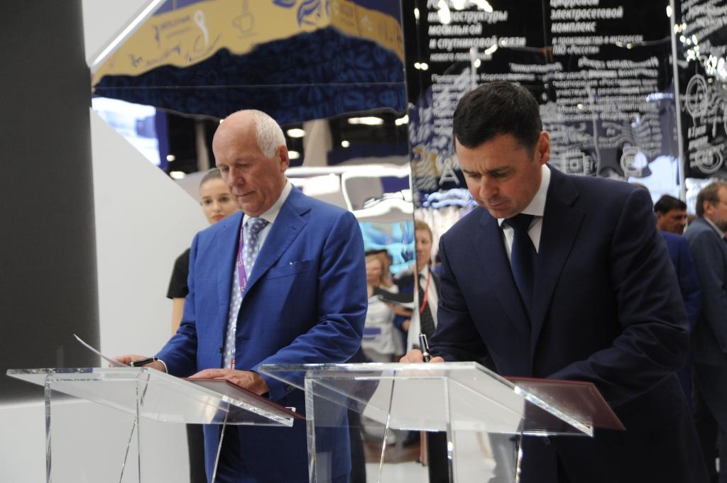 Дмитрий Миронов: «В Санкт-Петербурге мы заключили 27 соглашений на общую сумму порядка ста миллиардов рублей»