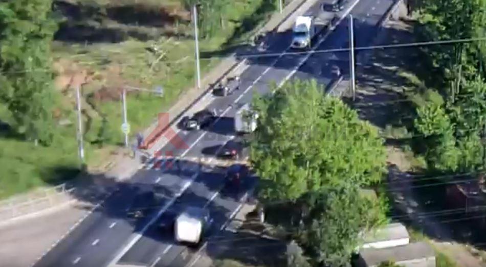 ВИДЕО: на окружной дороге внедорожник перевернулся несколько раз