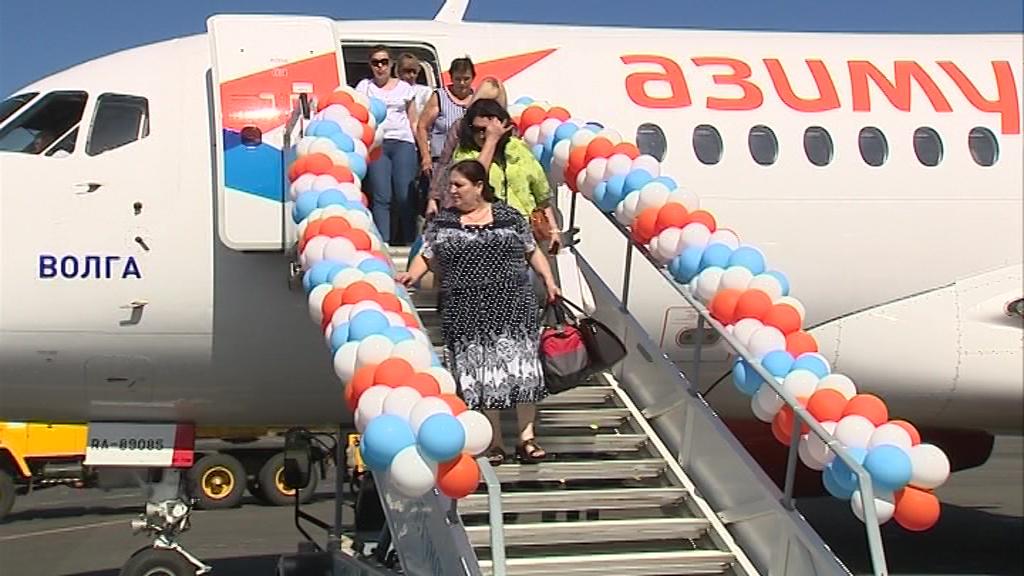 В Туношне встретили первый рейс из Краснодара