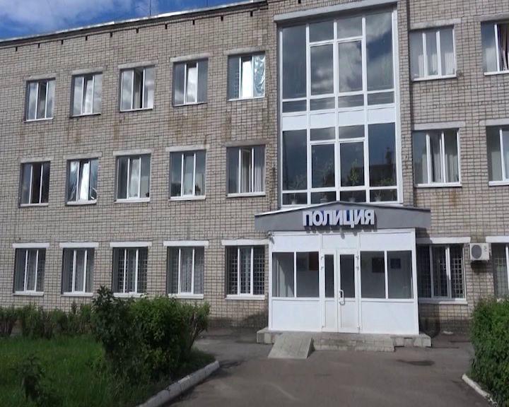 Пьяный житель Тутаева угнал чужую машину и поехал в магазин