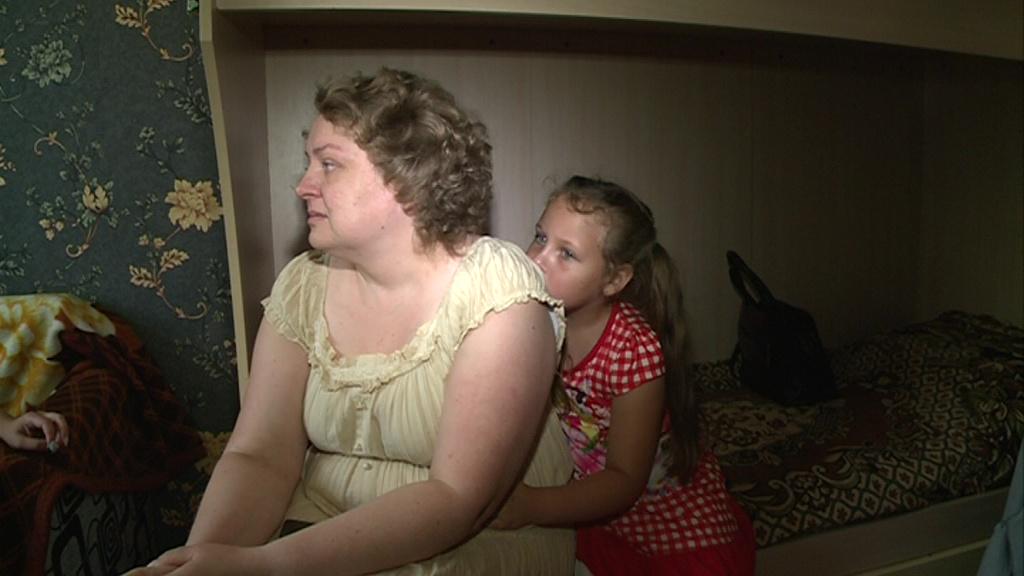 Идти больше некуда: мать двоих детей выселяют из муниципального жилья на улицу