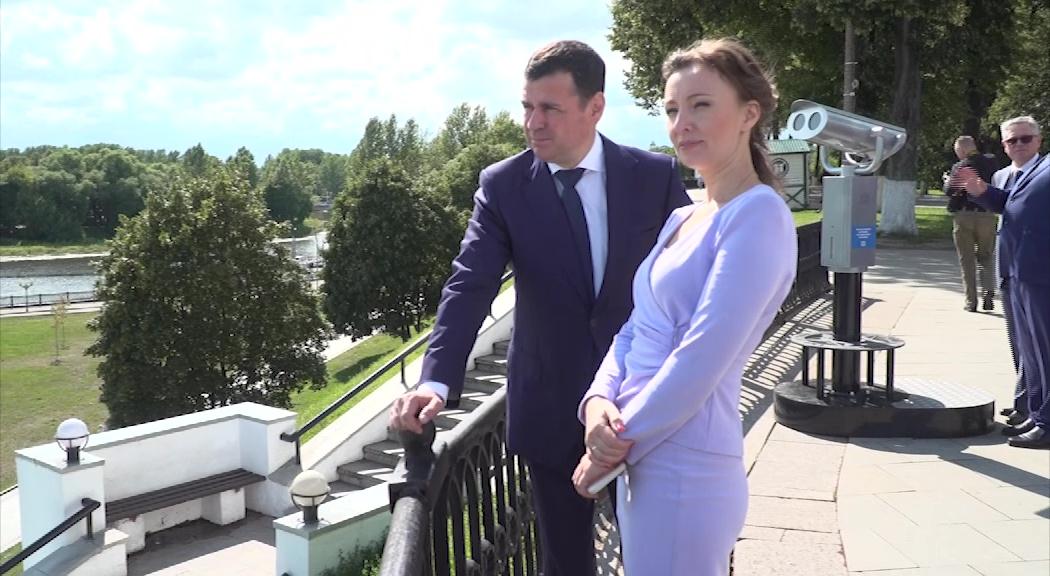 Детский омбудсмен Анна Кузнецова обсудила с Дмитрием Мироновым реализацию нацпроектов