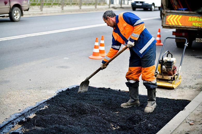 В Ярославле оштрафовали подрядчиков за нарушение сроков ямочного ремонта