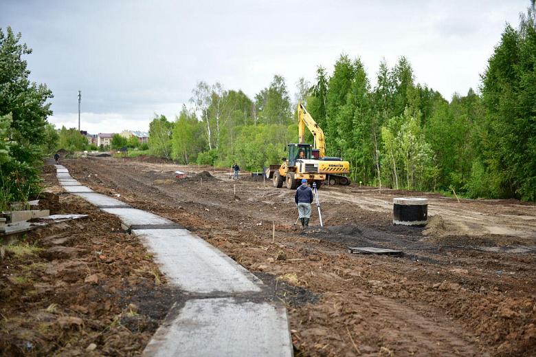 Власти рассказали, как ведутся работы по строительству дороги на Красноборской