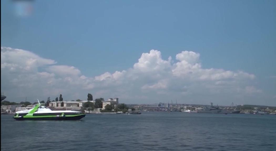 Из Крыма креветки, в Крым – фонари: ярославская делегация продолжает работу на полуострове