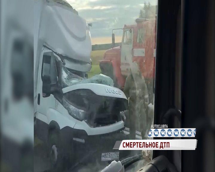 В Ярославском районе столкнулись «Ивеко» и тягач: есть погибшие