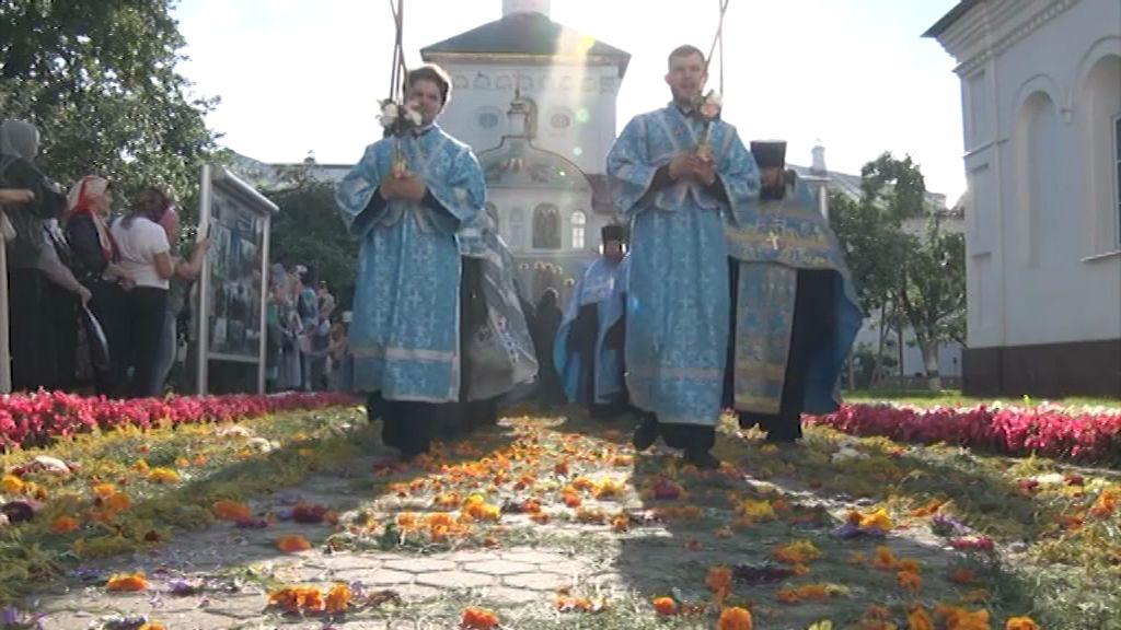 705 лет Свято-Введенскому Толгскому женскому монастырю