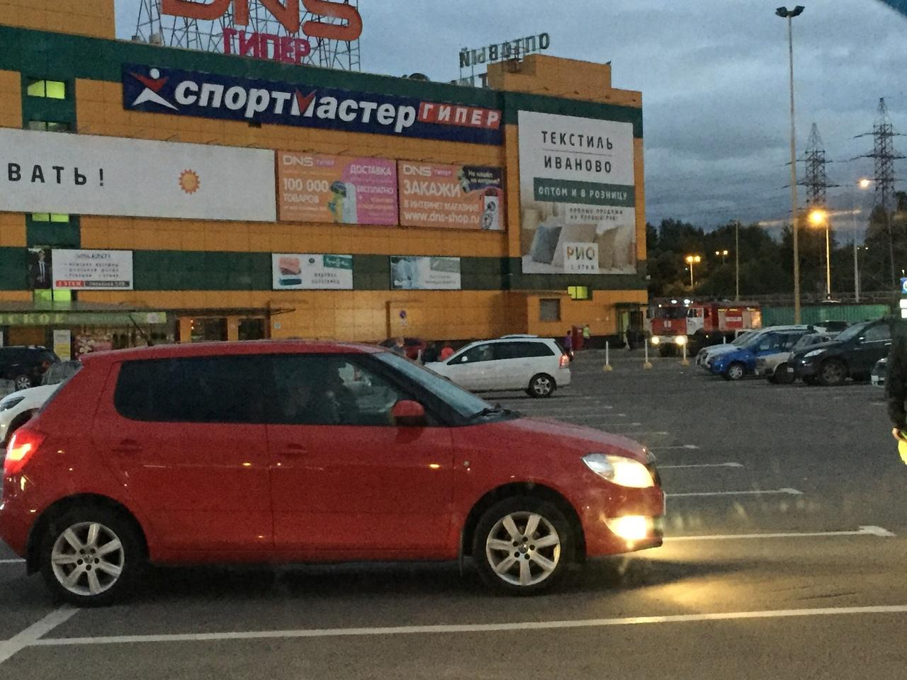 В Ярославле эвакуировали крупный торговый центр: в чем причина