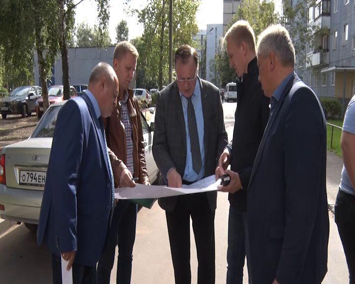 Депутаты проверили отремонтированные дворы в Ярославле