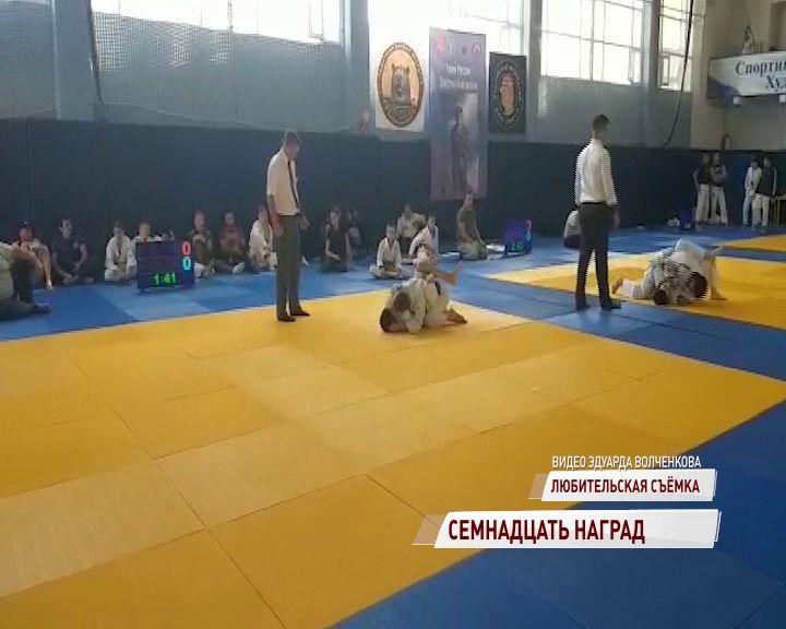 Ярославцы привезли 17 наград с турнира по джиу-джитсу