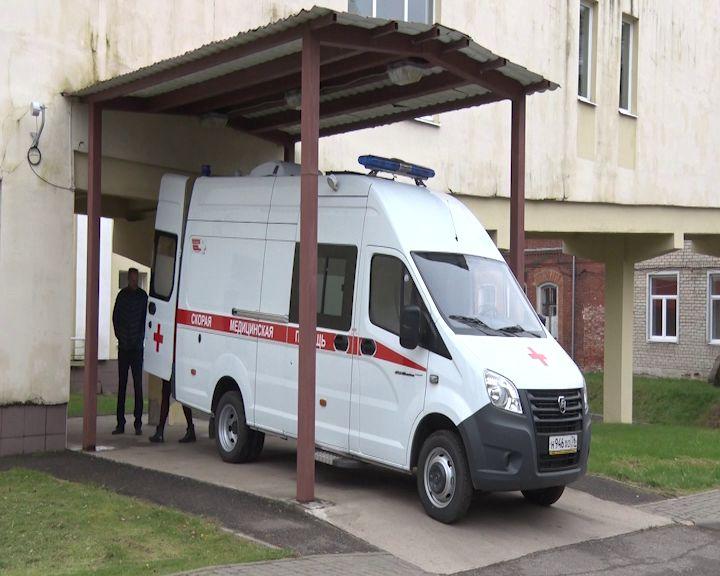 Некрасовская ЦРБ получила новую машину скорой помощи
