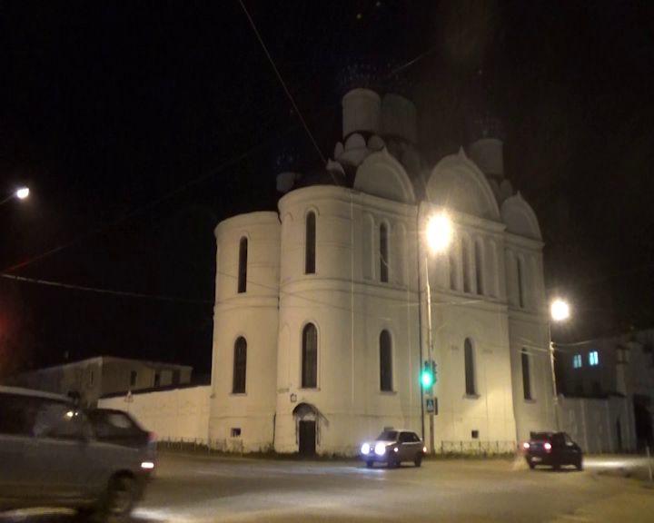В Угличе две женщины пытались украсть у мужчины 50 тысяч рублей