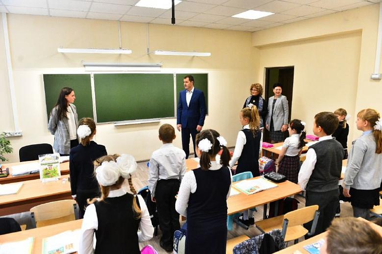Мэр Ярославля побывал в школе, где загорелся класс