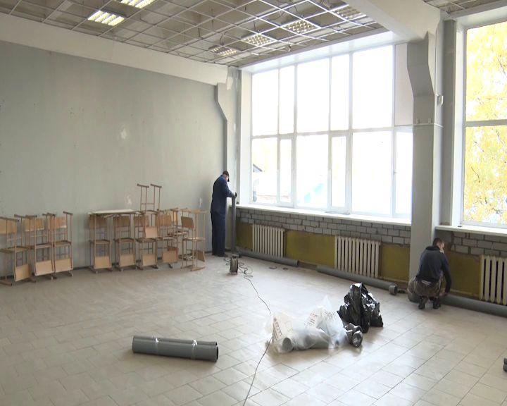 В Ярославском колледже индустрии питания полным ходом идет ремонт