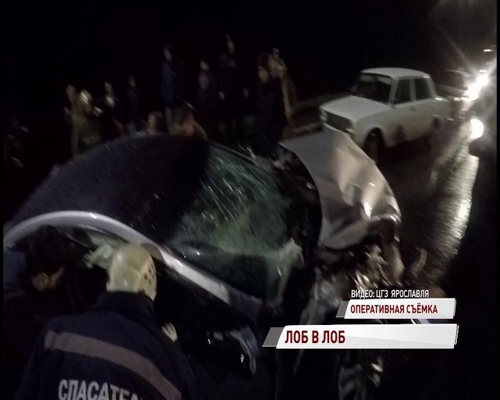 В Ярославле водитель без прав устроил аварию