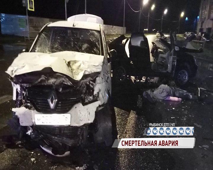 В Рыбинске в страшном ДТП погибла девушка