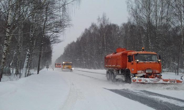 На дорогах Ярославской области работают 130 единиц техники