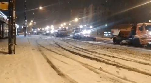 Мэр Ярославля показал снегоуборочную технику в соцсетях