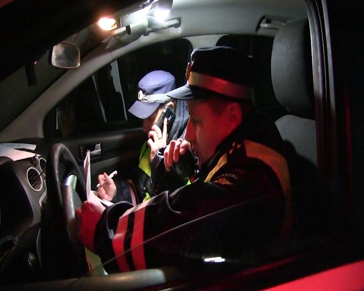 В Рыбинске мужчина угнал автомобиль покататься и попал в ДТП