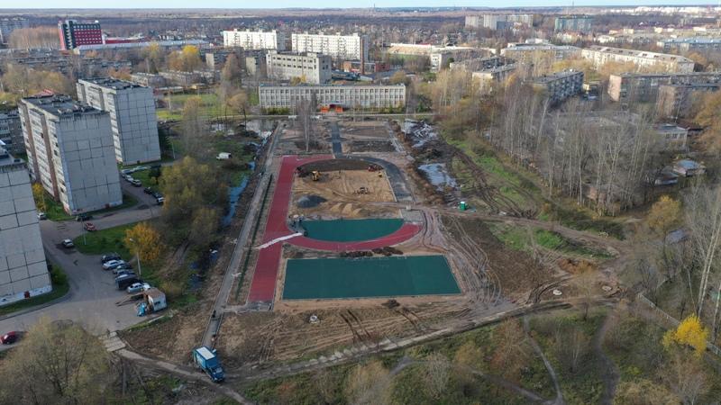 В Рыбинске в заболоченном сквере оборудуют дополнительную дренажную систему