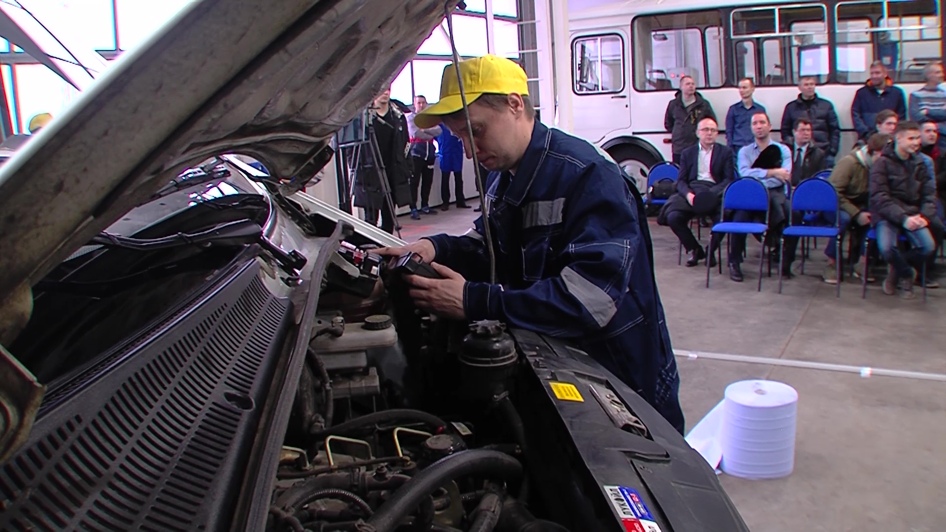 В Ярославле автомеханики посоревновались в профессиональном мастерстве