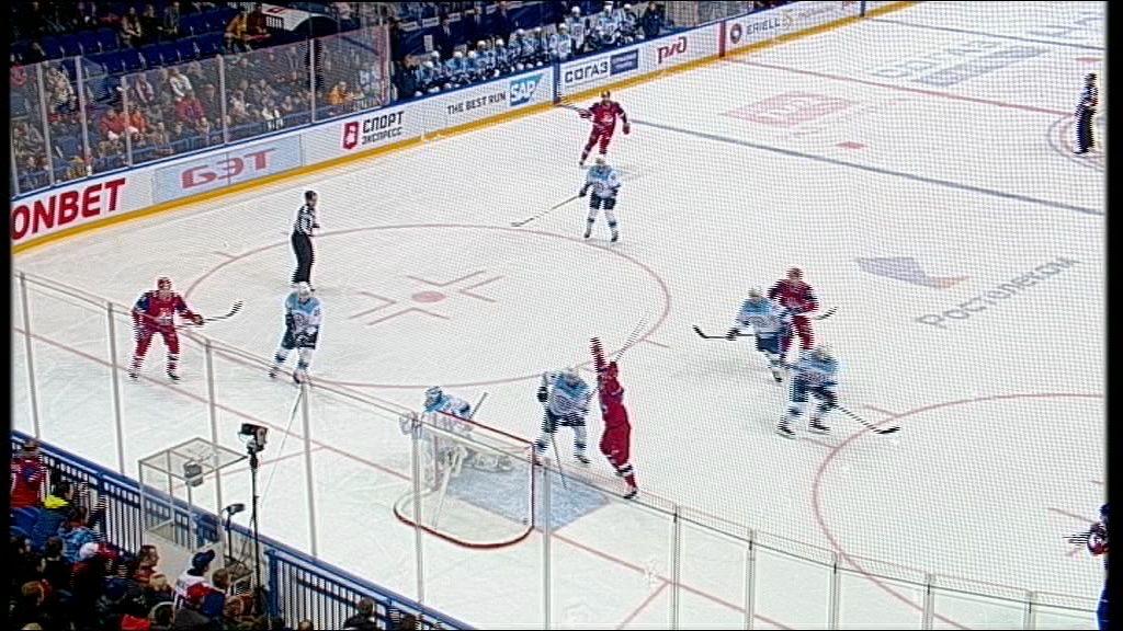 Игроки «Локомотива» поздравили главного тренера с юбилеем победой над «Сибирью»