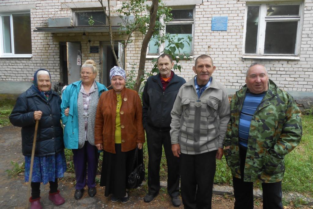 Около 400 жителей Большесельского района старше 65 лет были бесплатно доставлены на диспансеризацию
