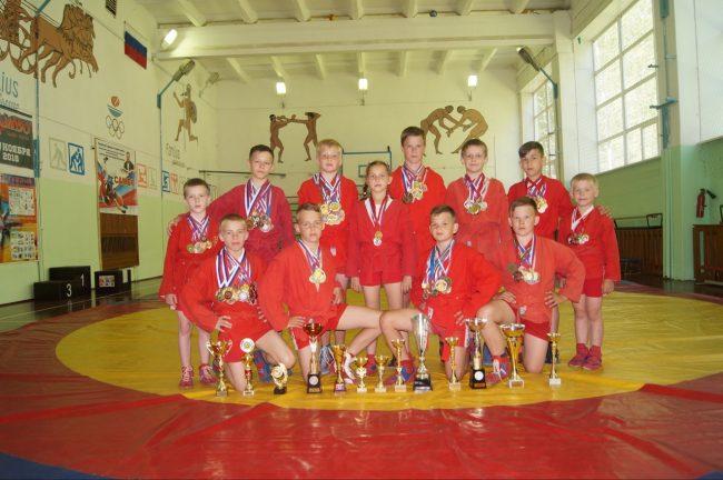 Самбисты из Некрасовского завоевали 28 медалей за два месяца