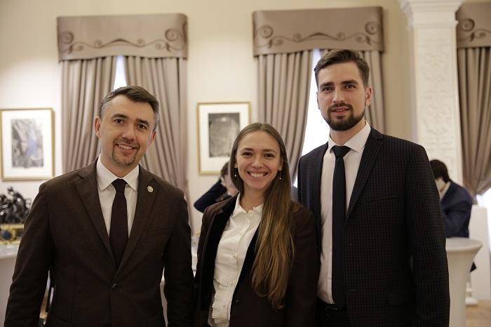 Дмитрий Миронов провел заседание рабочей группы Госсовета по молодежной политике в Москве