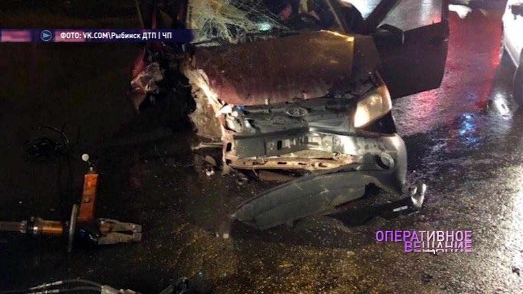 В Рыбинске пьяный водитель врезался в мост, пытаясь скрыться от экипажа полиции