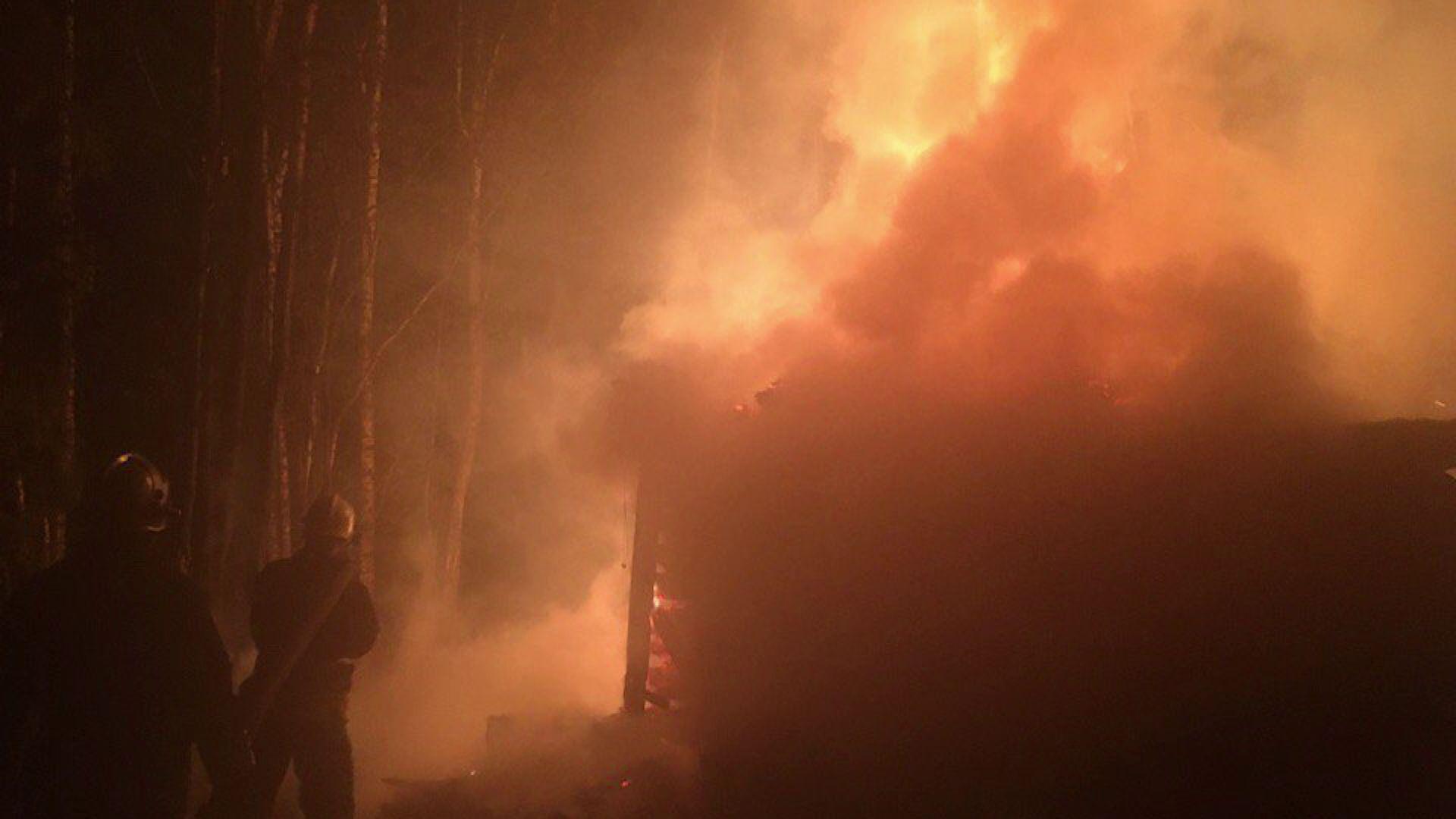 В Некрасовском районе пожар уничтожил целый дом