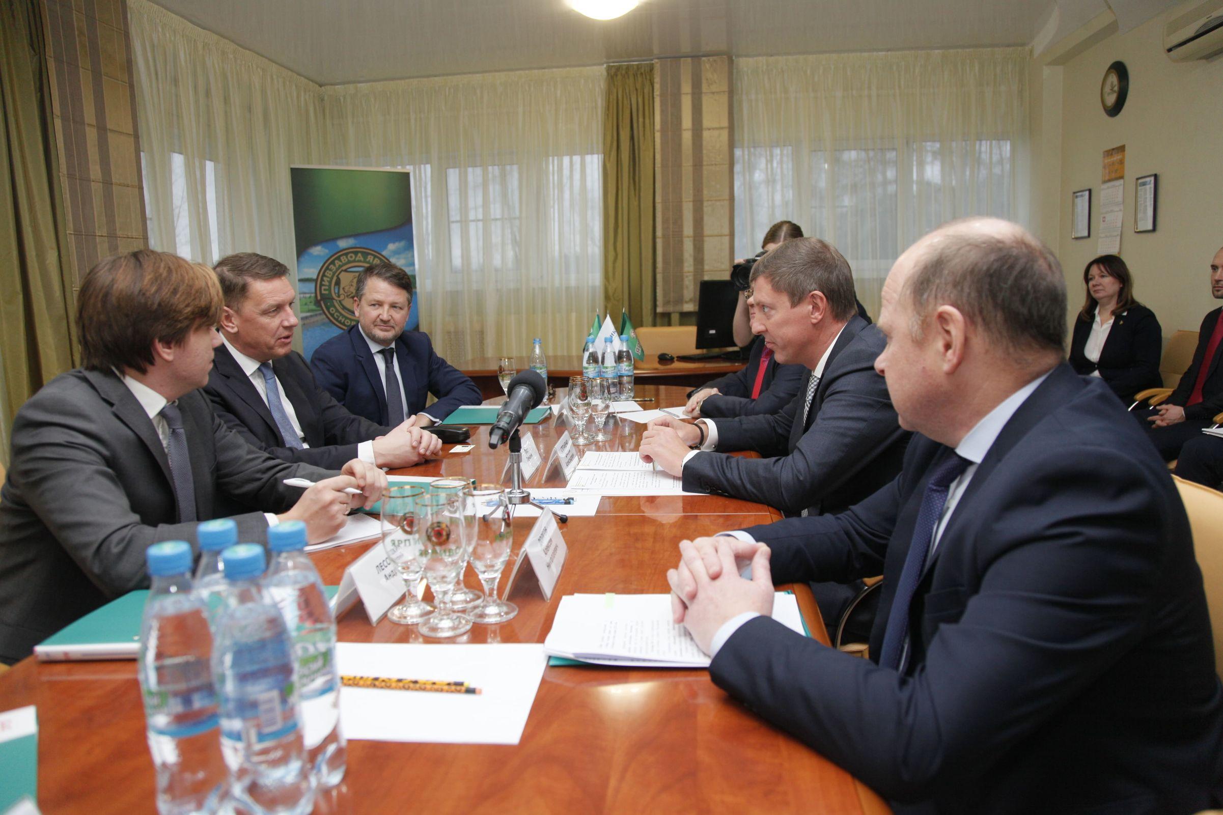 Дмитрий Степаненко посетил «Пивзавод «Ярпиво» и поздравил сотрудников с 45-летием предприятия