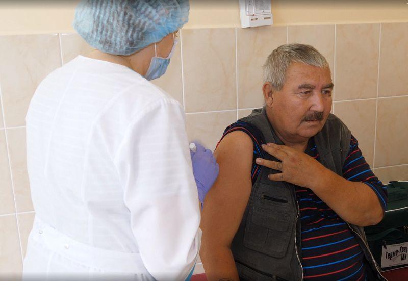 В Ярославской области пенсионеры из домов престарелых получили вакцину от пневмонии