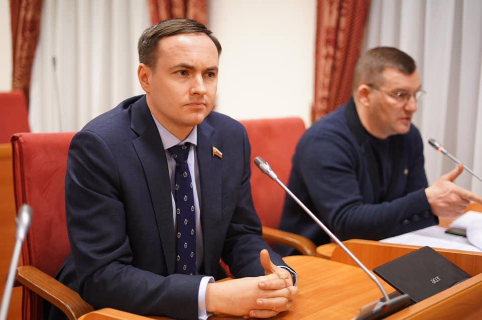 Депутаты Ярославской областной думы предлагают запретить продавать снюс