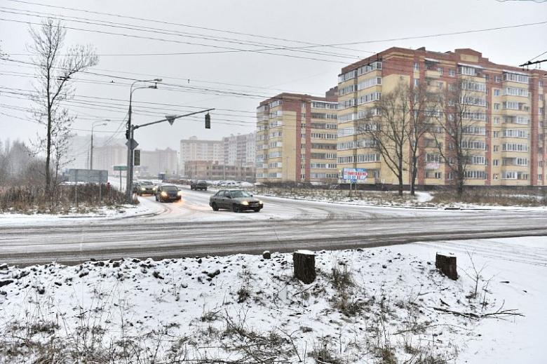 За день до перекрытия Тутаевского шоссе еще ведутся работы по созданию объездных путей
