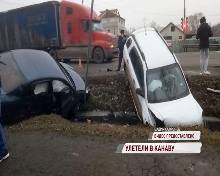 В Ростове дорогу не поделили легковушка и кроссовер