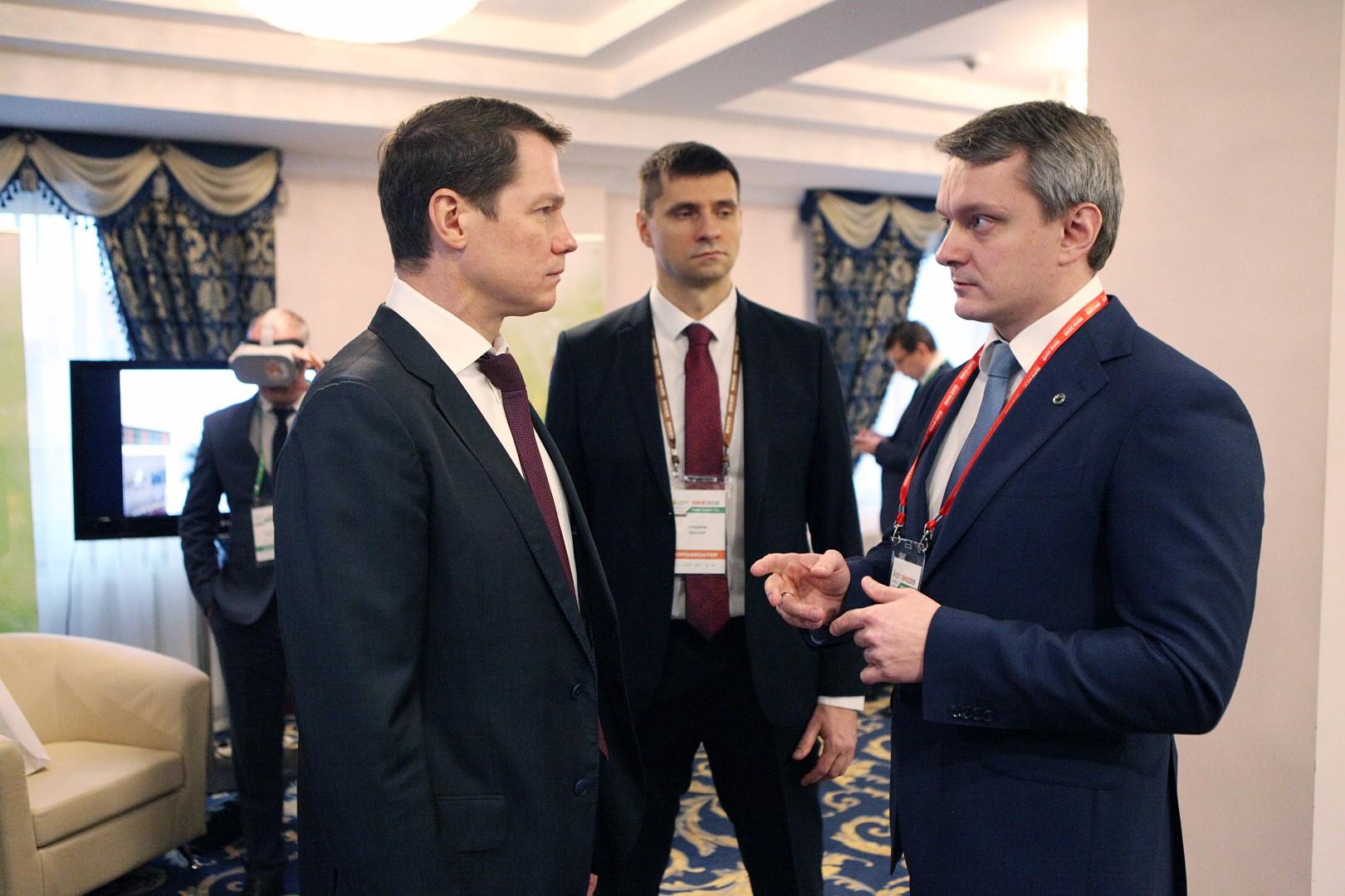 На Ярославском инвестиционном форуме подписано 5 соглашений по реализации в регионе различных проектов
