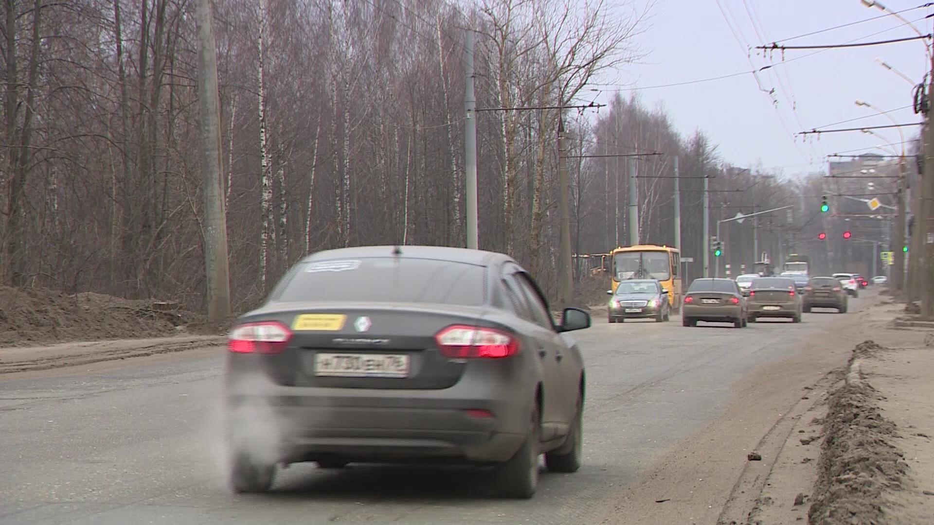 Участок Тутаевского шоссе закрывают: жителям Брагина придется вновь стоять в пробках