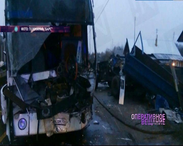 Автобус с ярославцами попал в ДТП в Ивановской области