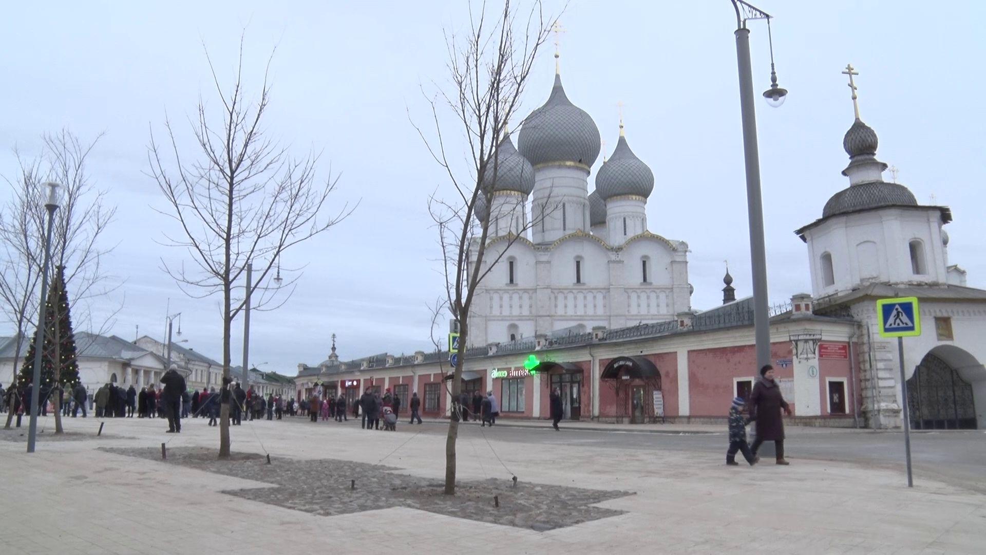 Вместо стихийной парковки – зона отдыха: в Ростове преобразилась главная площадь города