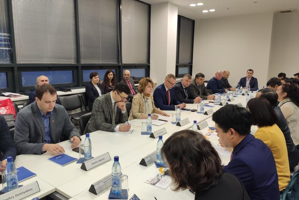 Компании Ярославской области презентовали свои разработки представителям вьетнамской провинции