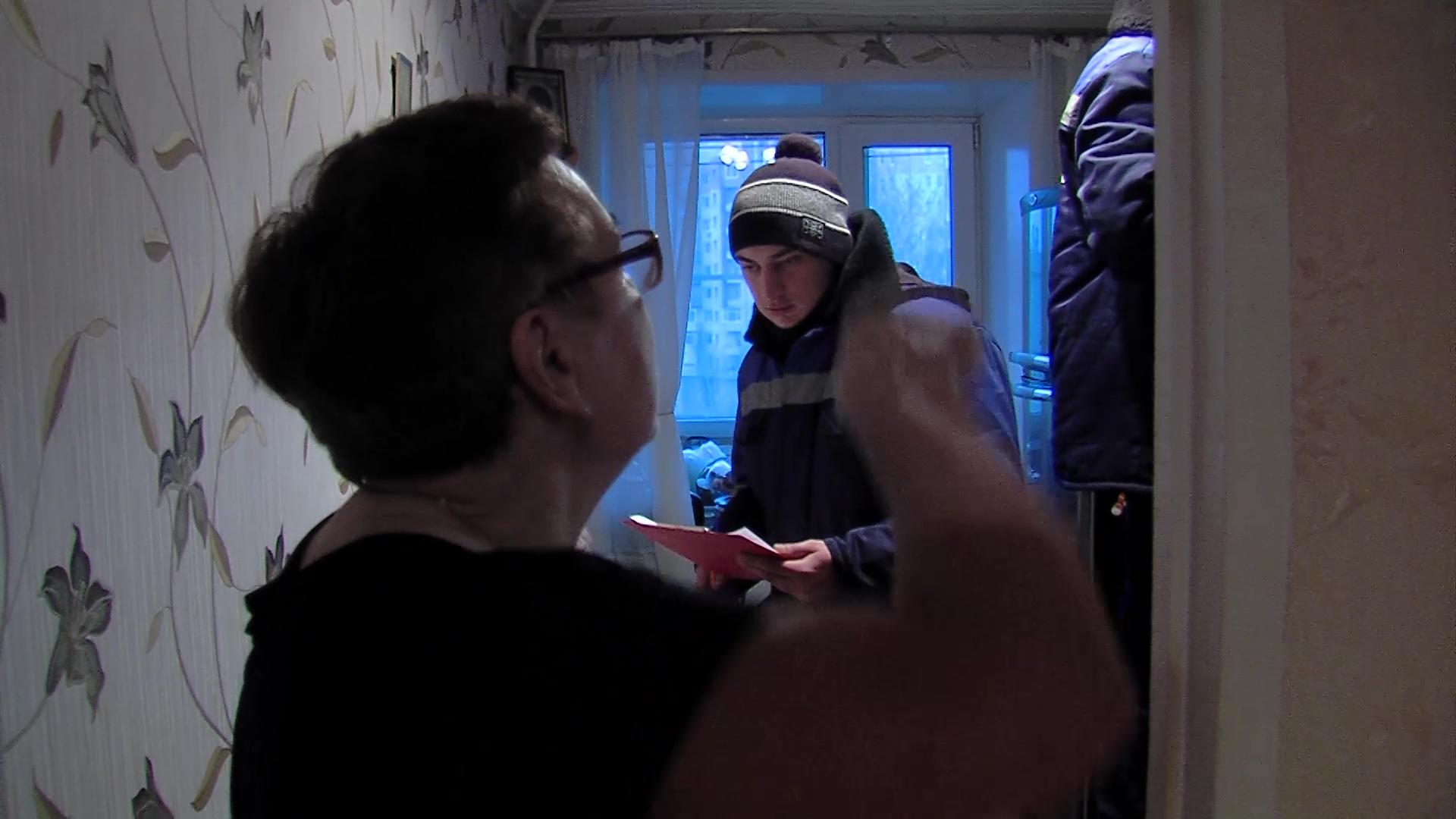 Заволжский управдом проверяет вентиляцию в многоквартирных домах