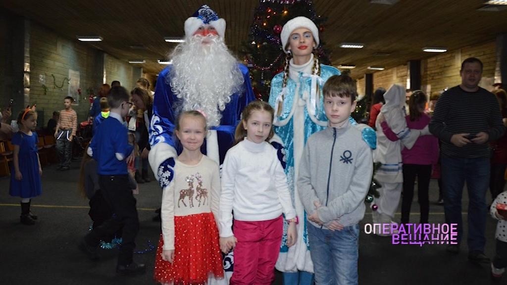 На базе ярославского ОМОНа устроили новогоднюю ёлку