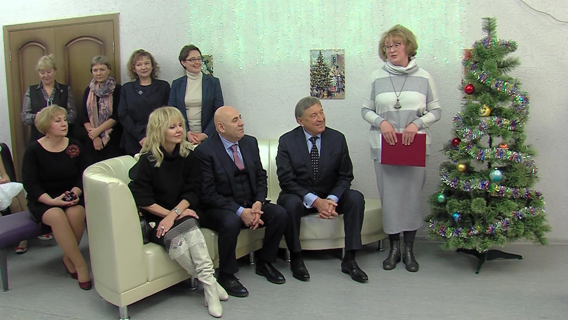 Гости из Москвы поздравили воспитанников ярославского детского дома с Новым годом