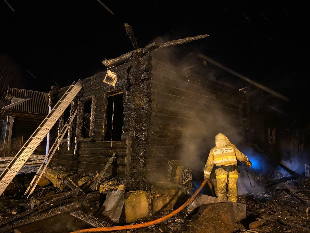 В рождественскую ночь в Ярославской области в огне погибли три ребенка