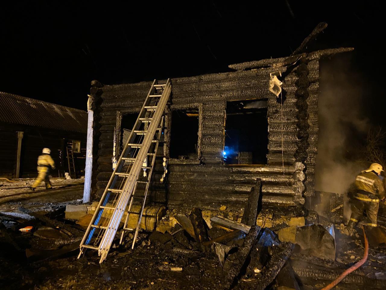 «Первый Ярославский» публикует видео из Борисоглебского района, где в огне погибли трое детей