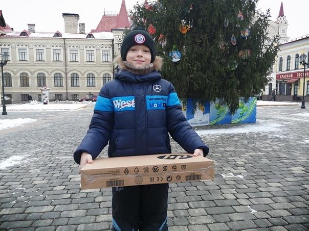 Дмитрий Миронов исполнил новогодние желания двух детей из Рыбинска