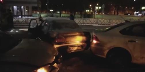 Пьяный водитель спровоцировал массовое ДТП в Ярославле и убежал